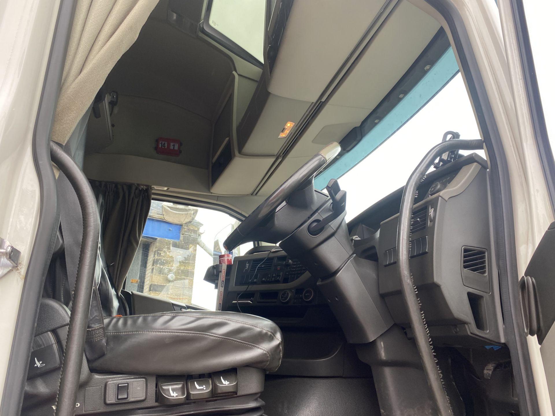Volvo FH V4 460 GTXL 6X2 TRACTOR UNIT, registration no. V13 JAT, date first registered 01/05/2015, - Image 12 of 17