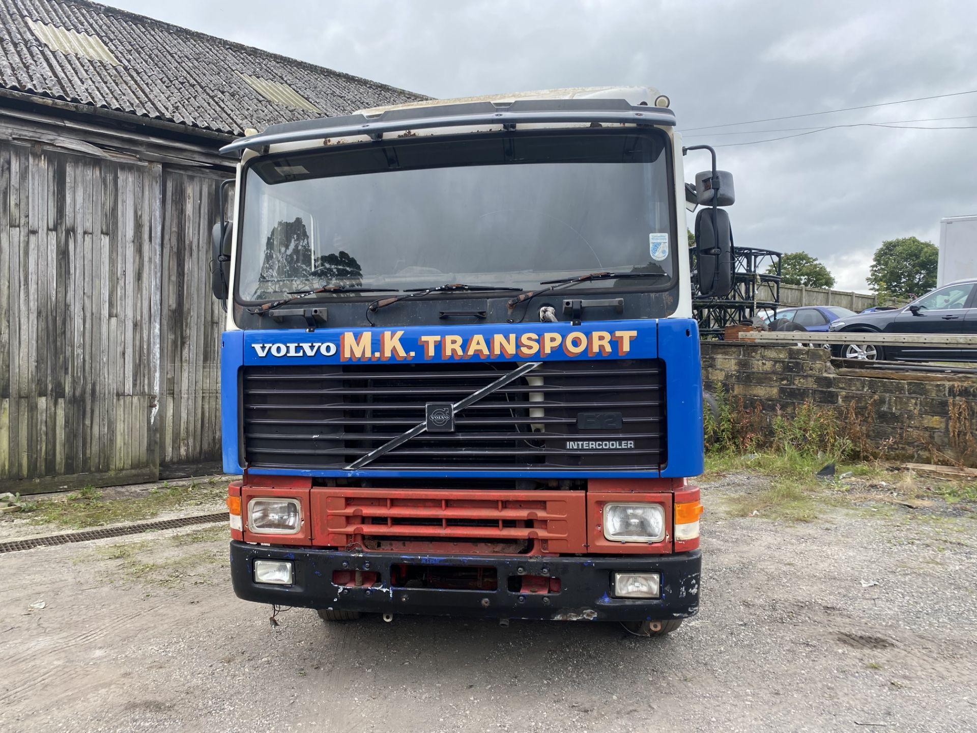 Volvo F12 400 4x2 Tractor Unit, registration no. H81 HKC, date first registered 01/01/1991, for - Image 5 of 21