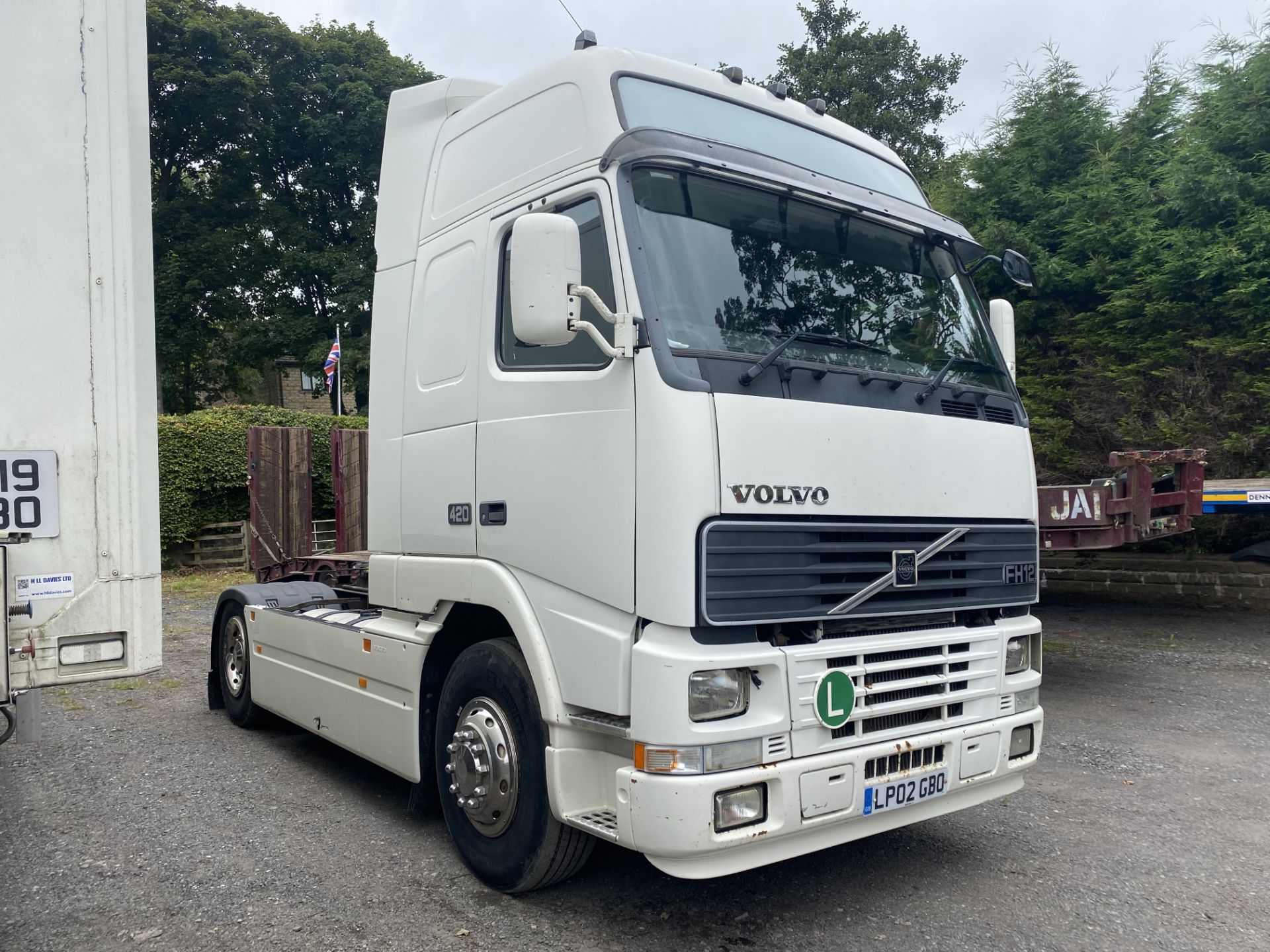 Volvo FH12.420 GTXL V1 4X2 TRACTOR UNIT, registration no. LP02 GBO, date first registered 01/03/ - Image 4 of 17