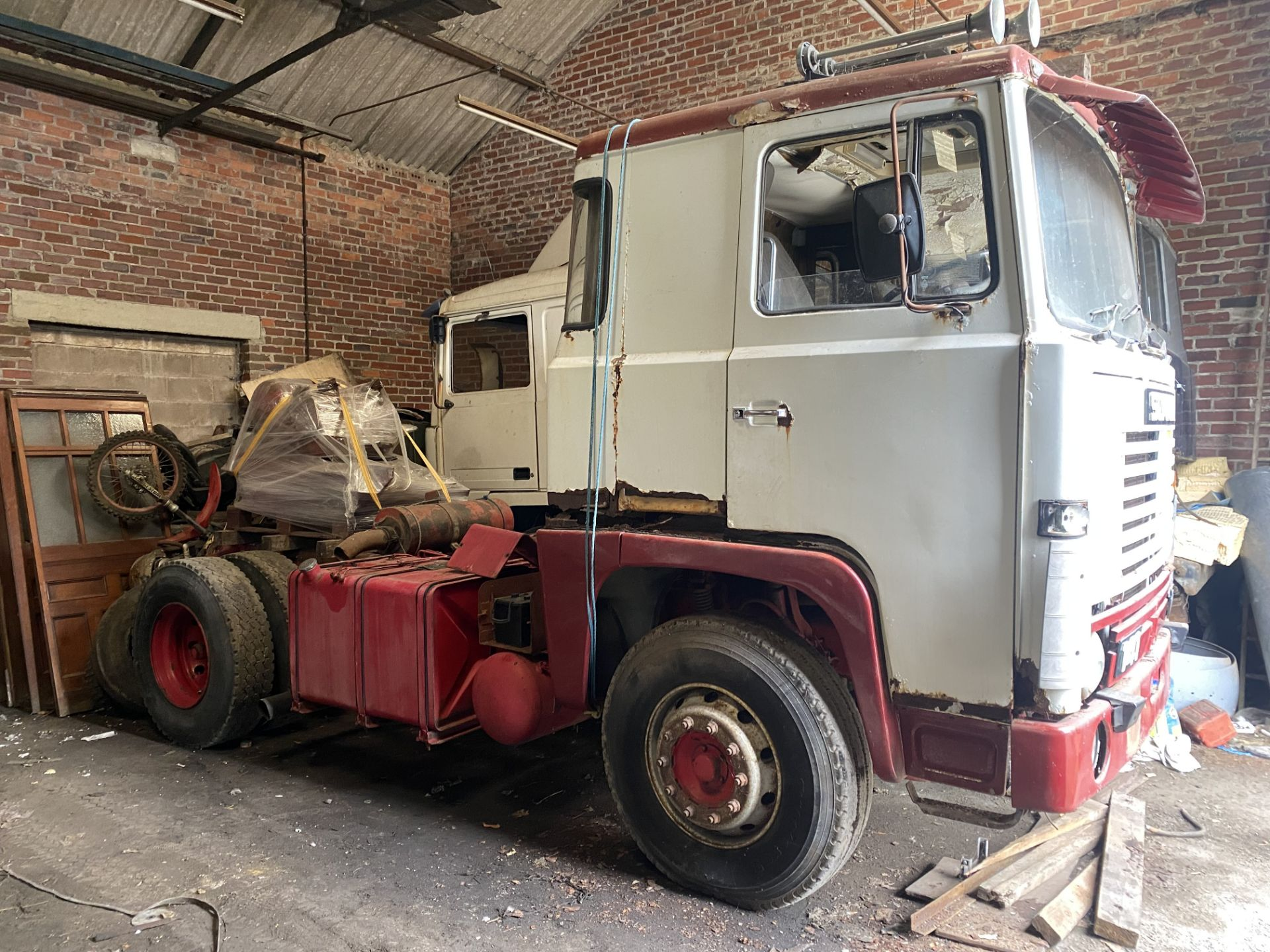 Scania 141 V8 4X2 TRACTOR UNIT, registration no. TFR 691X, date first registered 01/06/1982, cab - Image 3 of 12