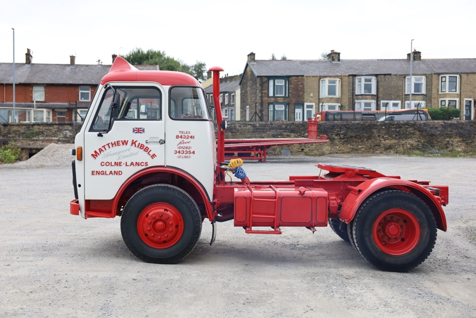 Volvo F86 4X2 TRACTOR UNIT, registration no. YWT 527S, date first registered 01/02/1978, fully - Image 2 of 9