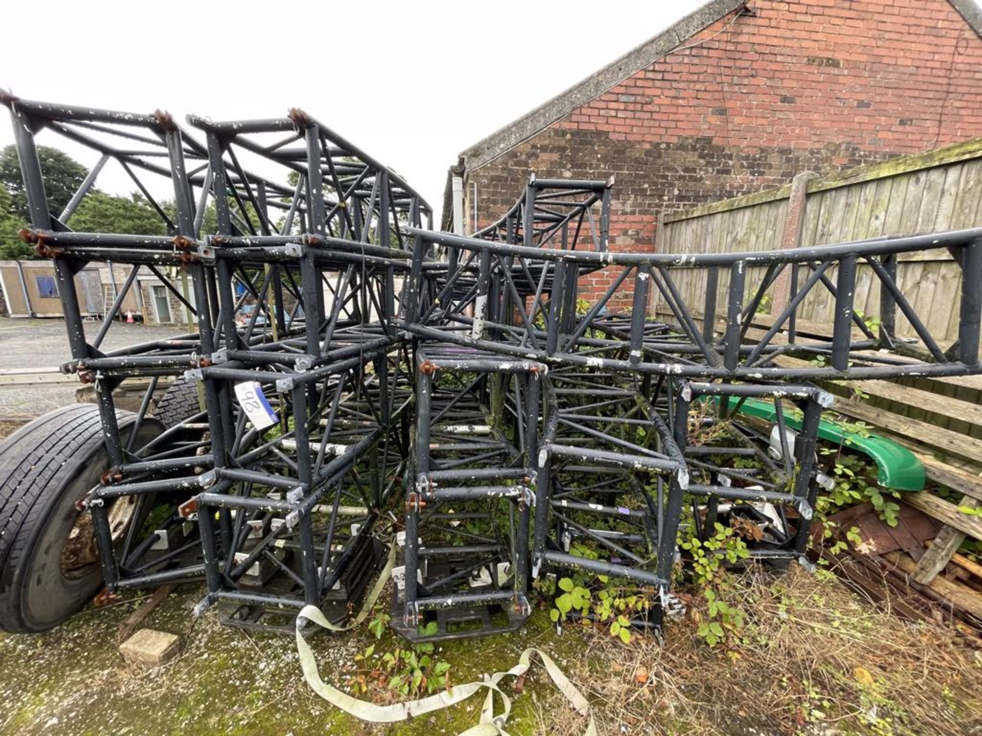 Quantity of Aluminium Light Trussing, approx. 500mm x 500mm (understood to form circular approx.