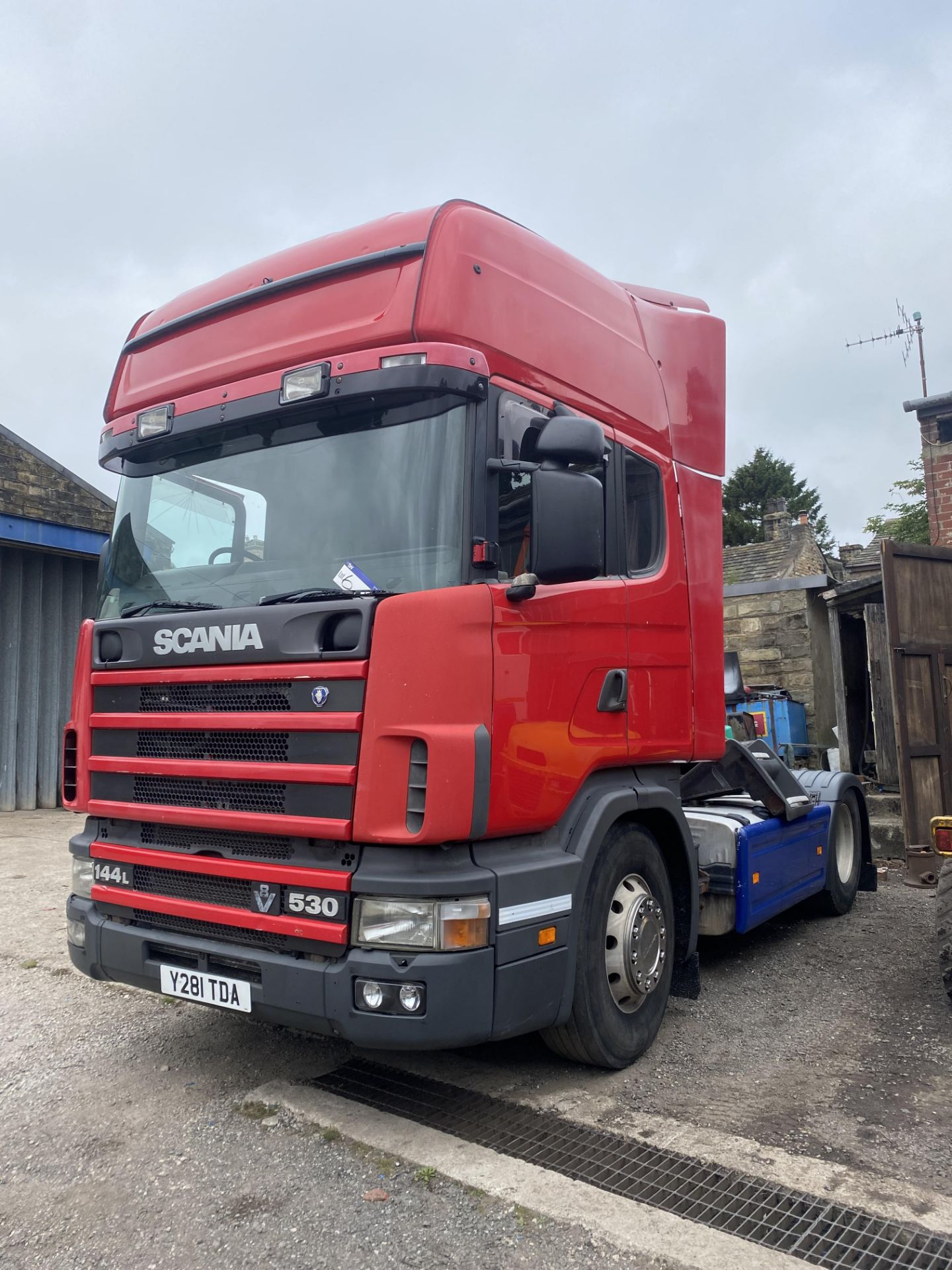 Scania 144 530 4X2 CLASSIC TRACTOR UNIT, registration no. Y281 TDA, date first registered 01/03/ - Image 2 of 19