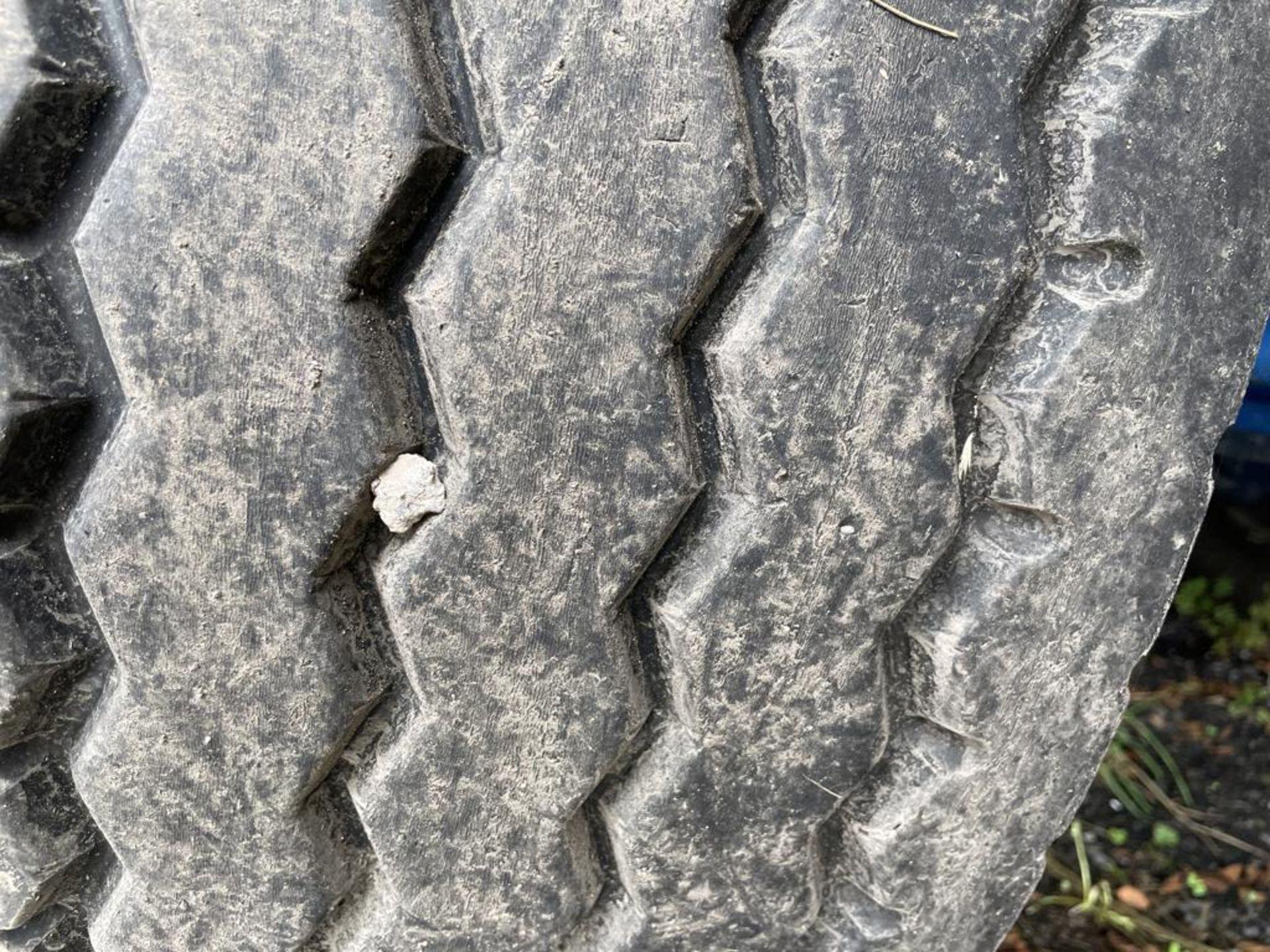 DENNISON TRI-AXLE 24,000KG HEAVY DUTY FLAT SEMI TRAILER, VIN no. SGKFL25PTHL050715, year of - Image 6 of 10