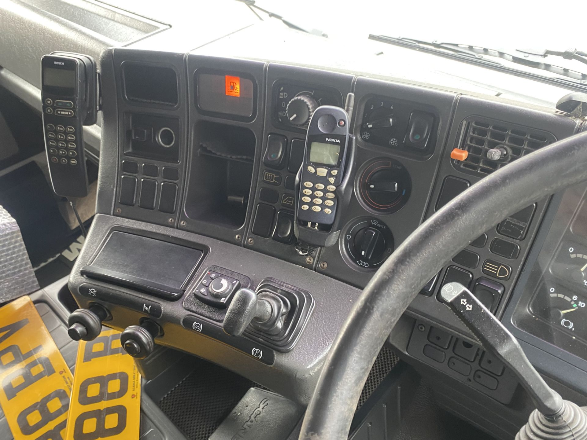 Scania 143M450 V8 4X2 TRACTOR UNIT, registration no. L288 BPV, date first registered 01/08/1993, - Image 19 of 20