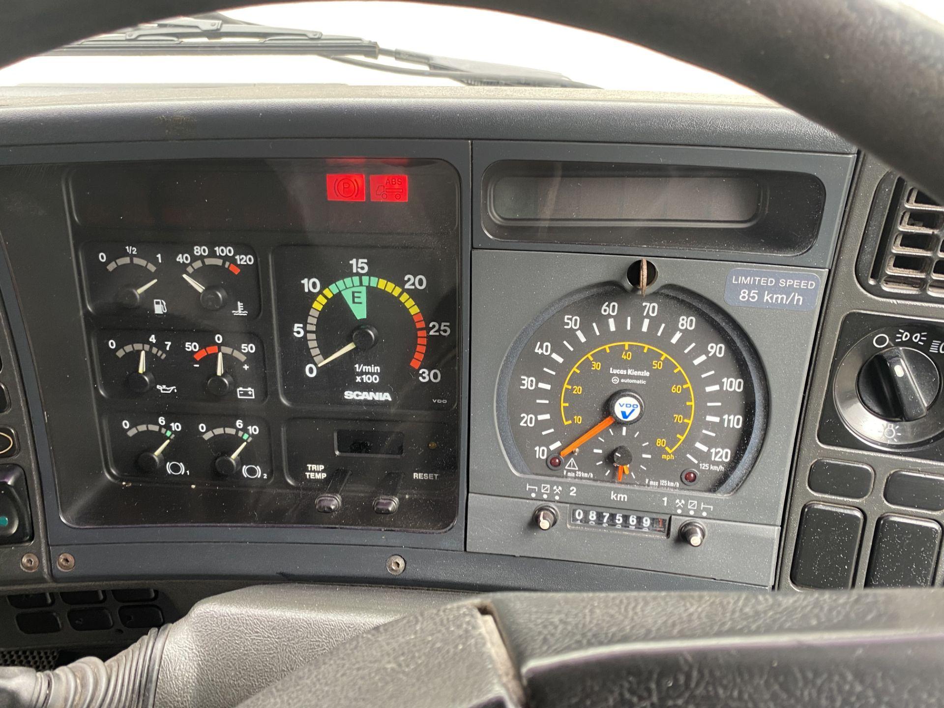 Scania 143M450 V8 4X2 TRACTOR UNIT, registration no. L288 BPV, date first registered 01/08/1993, - Image 18 of 20
