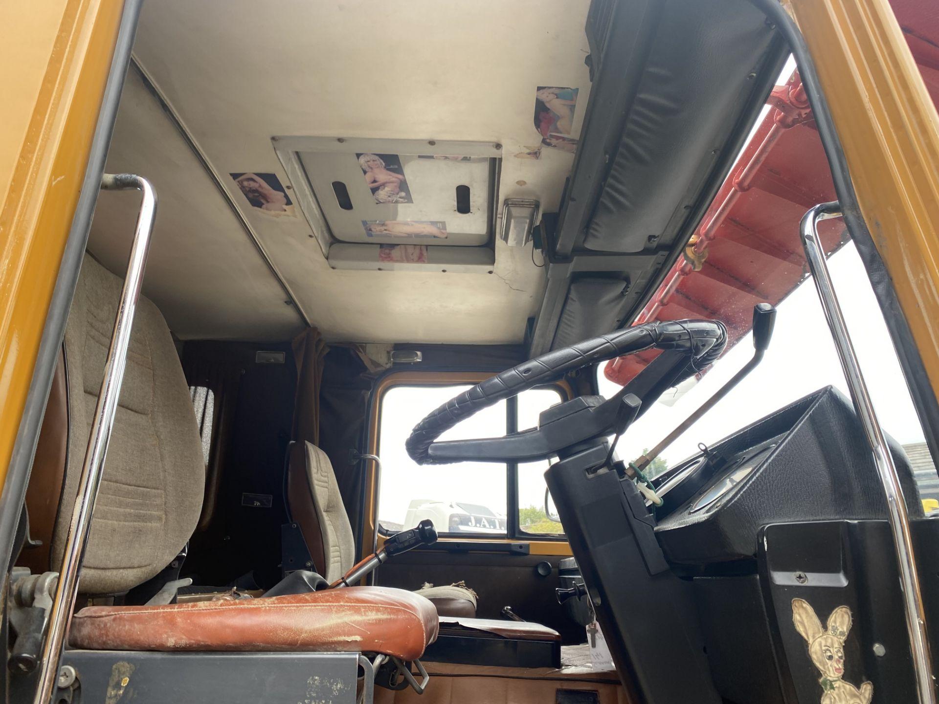 Scania 140 V8 4X2 TRACTOR UNIT, 1976, original vehicle (ex Italy - right hand drive), NOVA - Image 15 of 20