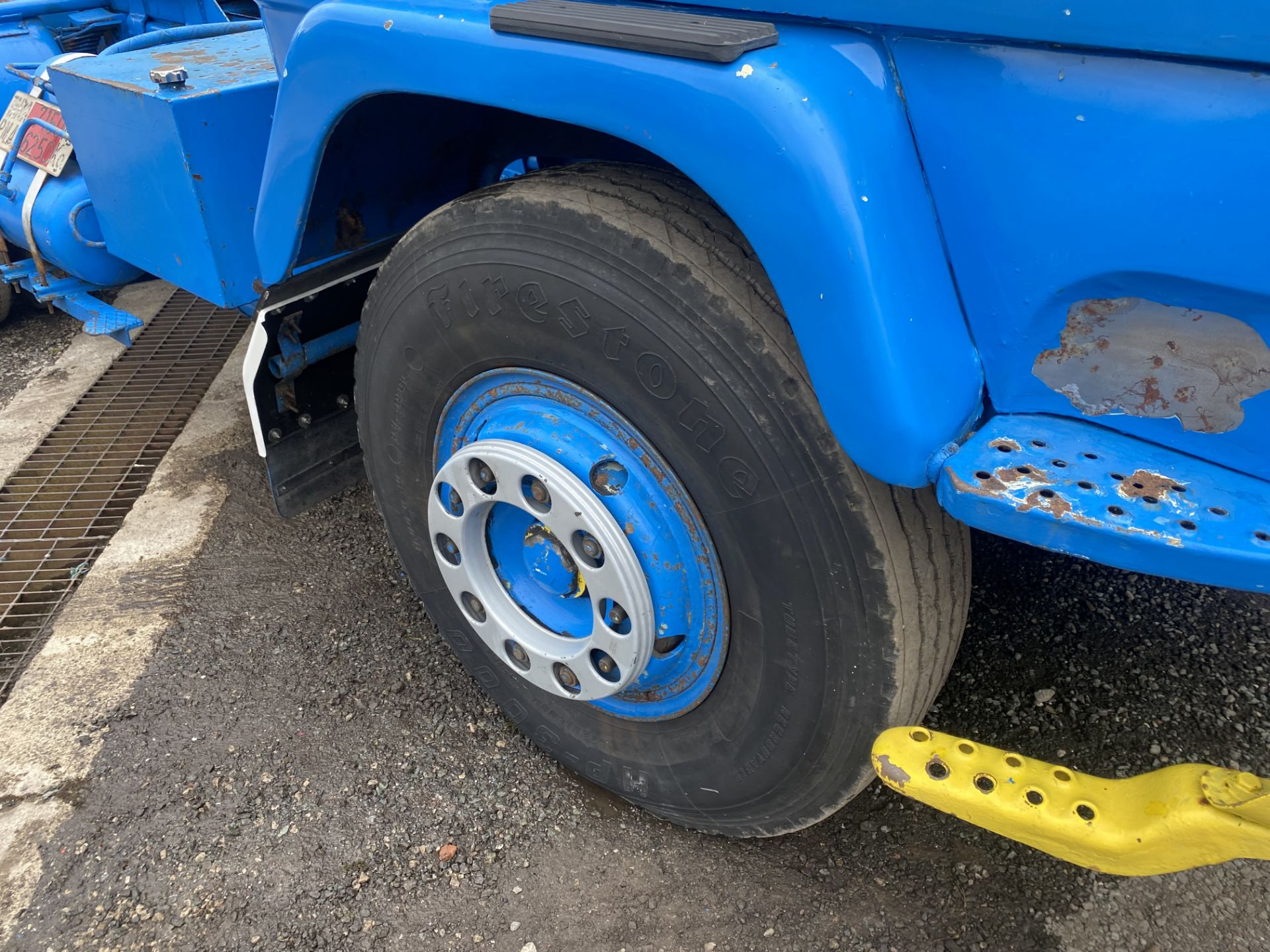 Volvo F89 4x2 Tractor Unit, 1975, left hand drive, (this vehicle does NOT have a V5) vendors - Image 12 of 19