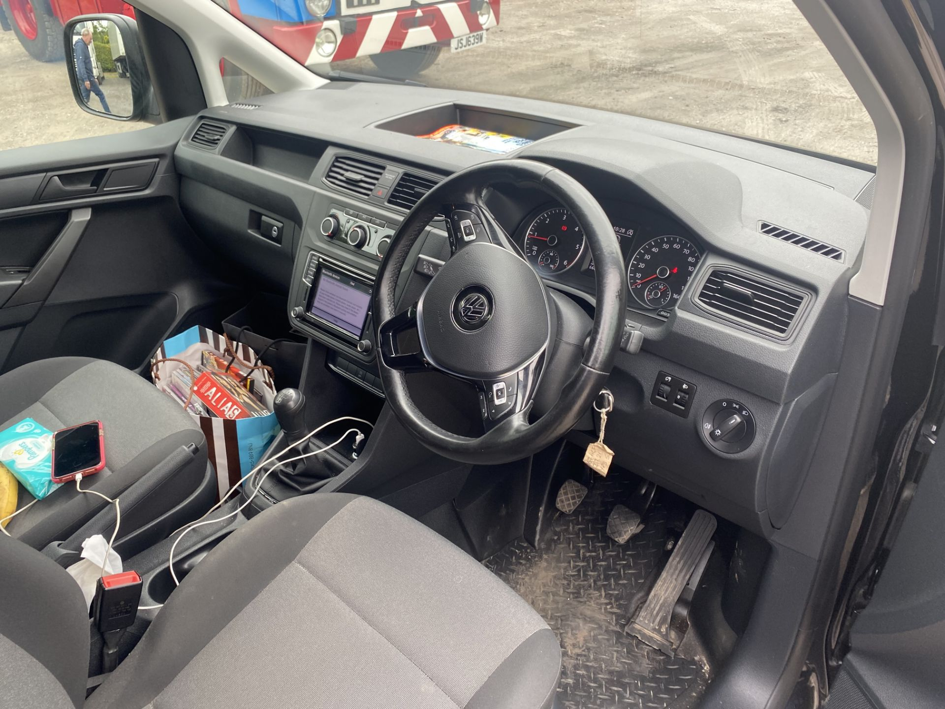Volkswagen CADDY MAXI C20 2.0 TDI KOMBI VAN, registration no. EJ67 ACF, date first registered 20/ - Image 6 of 11