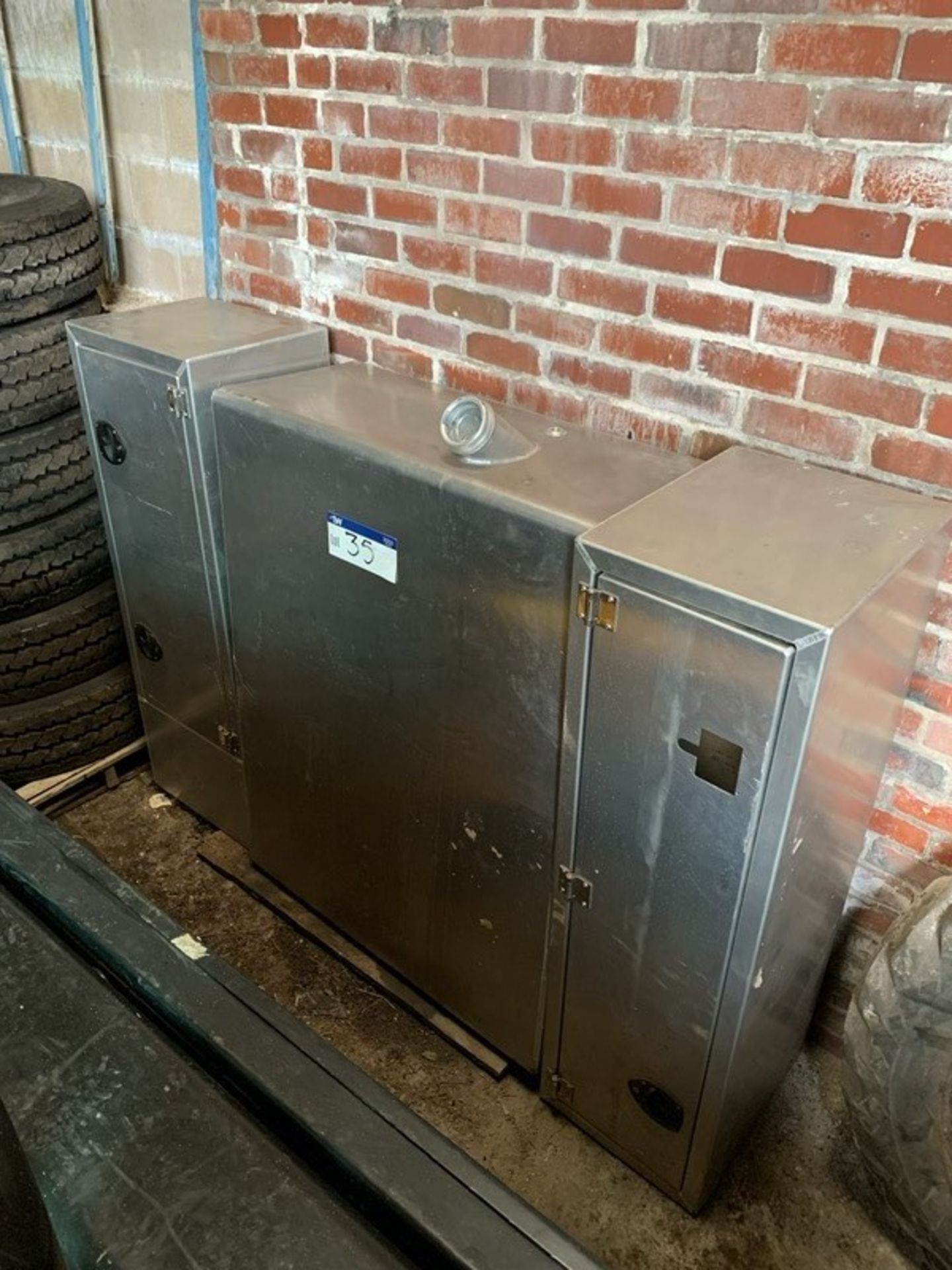 Aluminium Tractor Unit Diesel Tank/ Locker Unit, tank approx. 1070mm x 500mm x 1450mm deep, - Image 2 of 2