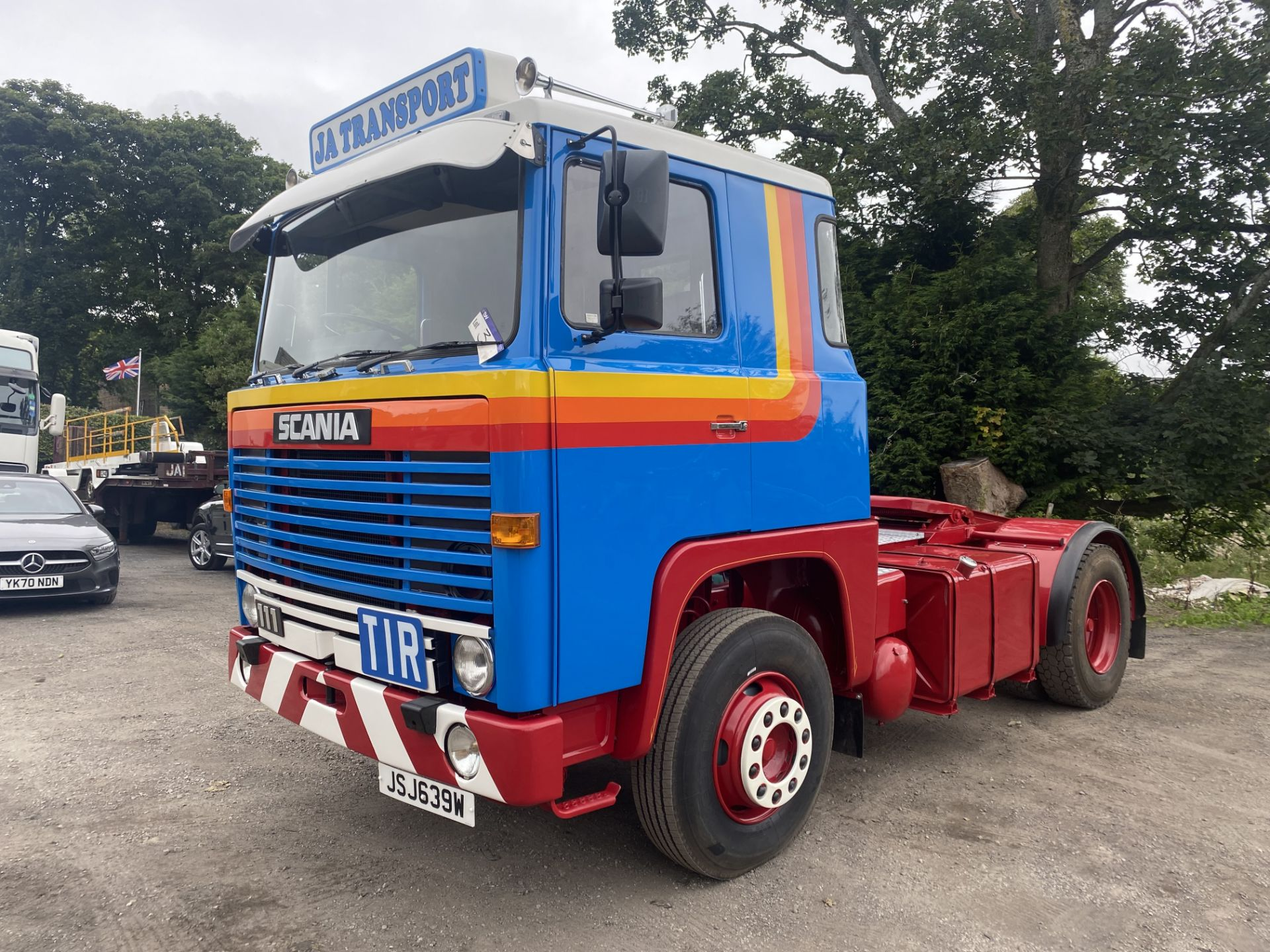 Scania 111 4X2 TRACTOR UNIT, registration no. JSJ 639W, date first registered 01/09/1980, fully
