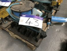 Shoham Pneumatic Punch Tool, Model COM5 PI Type T25, serial no. 1075, year of manufacture 2007Please