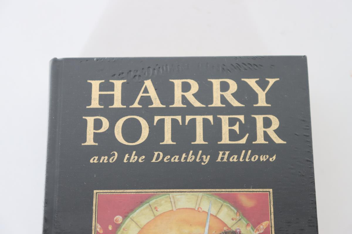 Harry Potter and the Deathly Hallows 2007 - Image 3 of 6