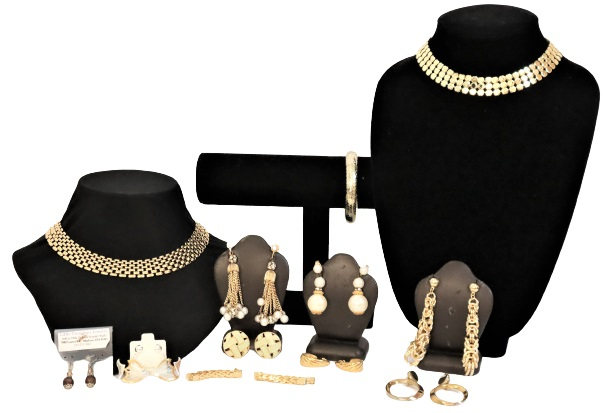 Large Collection of Ladies Gilt Jewelry, 12 Pieces