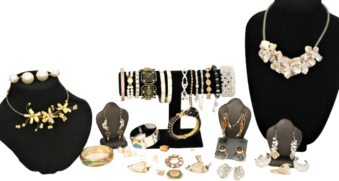 Large Collection of Ladies Jewelry, 34 Pieces