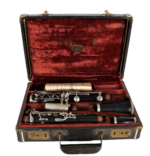 Symphony Supreme Clarinet in Fitted Case