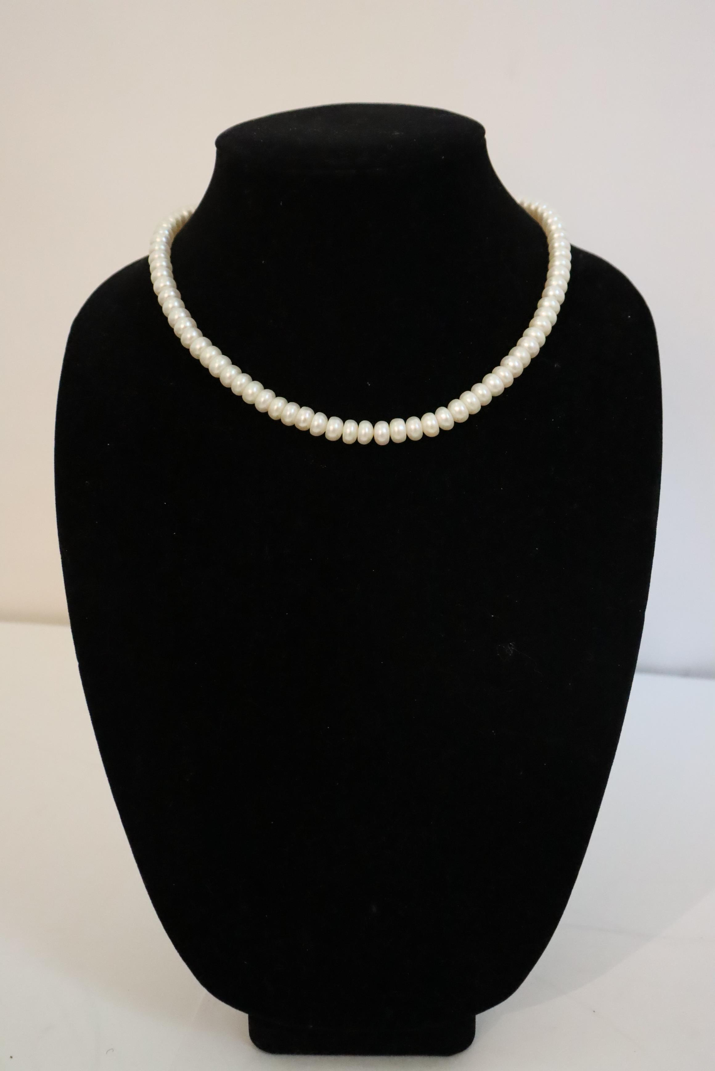 Large Collection of (10) Pearl / Beaded Necklaces - Image 4 of 20