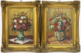Ein Paar Blumenstillleben
