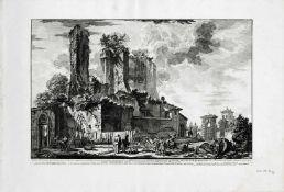 Veduta dell'avanzo del Castello, che prendono una porzione dell'Acqua Giulia [...]