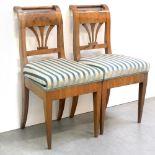 Ein Paar Stühle