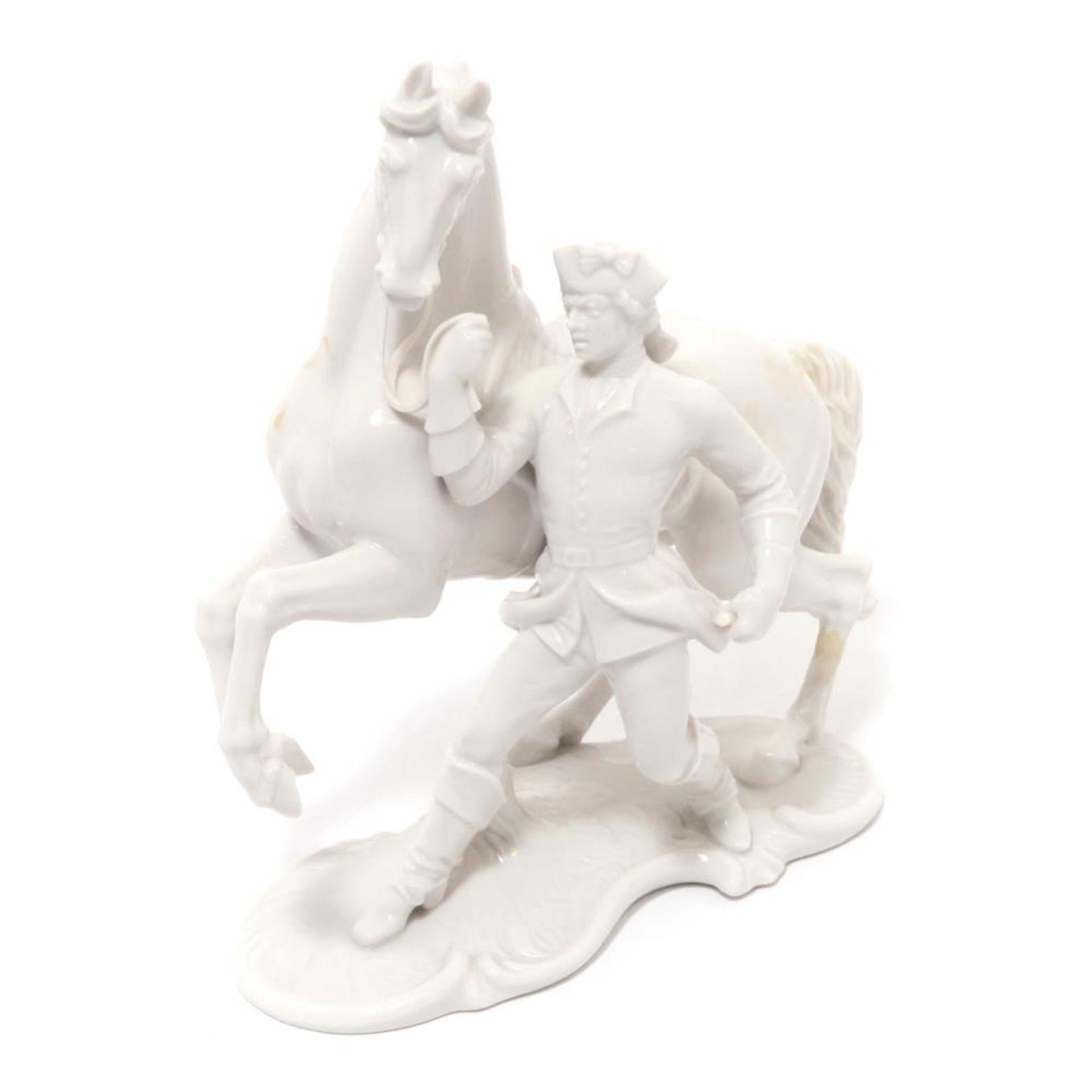 Reiter, Pferd vorführend