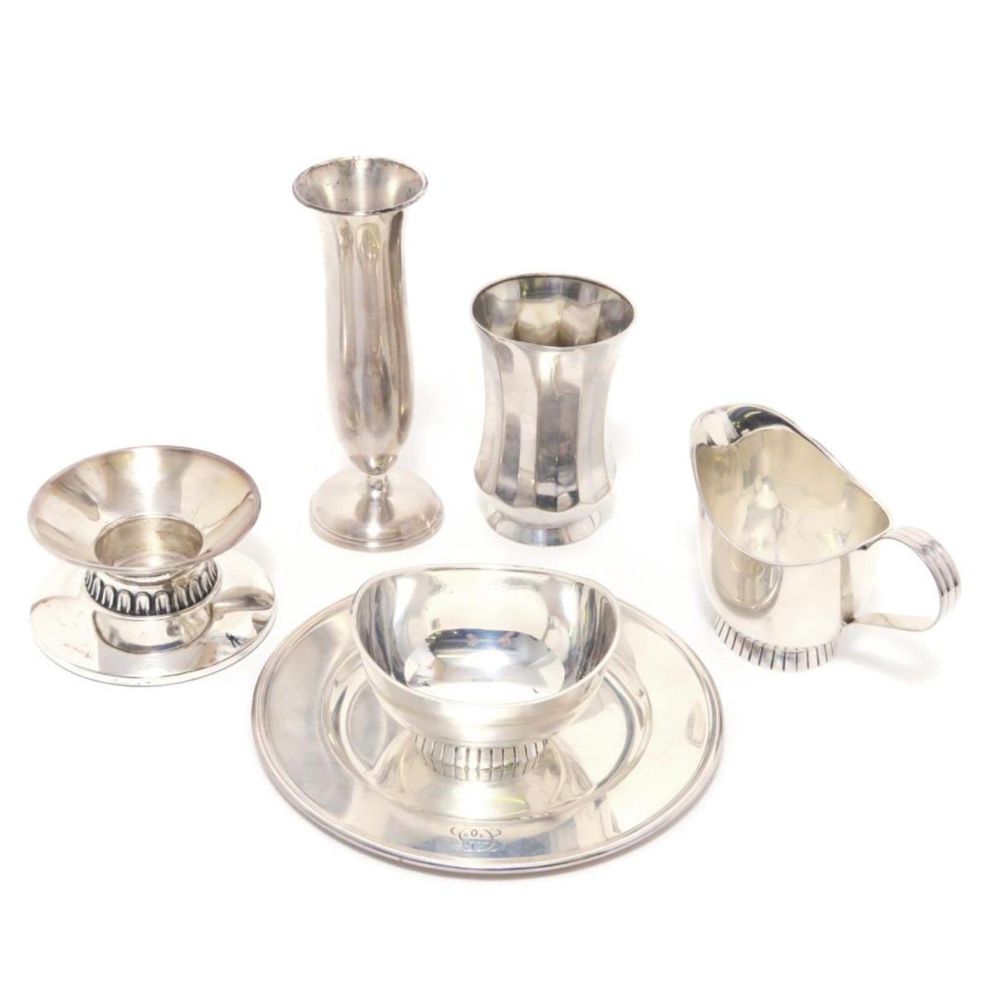 Sechs Teile Silber