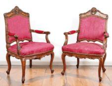Zwei Sessel im Barockstil 19.