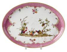 Ovale Platte mit Vogeldekor