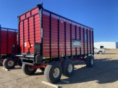 LIKE NEW Meyer Manufacturing Live Floor Rear Unload Forage Box, Serial# 1919DRX213, Rigging/ Loading