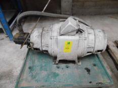 Motor eléctrico de 50 hp, 1185 rpm, 230-460 volts, cuenta con dos tomas de fuerza, cuenta con una