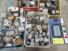 Arrancadores varias marcas y capacidades 300 piezas aproximadamente; interruptores termo