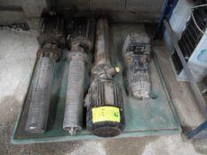 Tres bombas marca grundfos con motor de 4 kw y un motorreductor. (3 pumps grundfos brand with 4 Kw