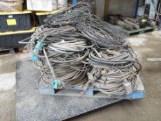 Lote de cable de cobre aproximadamente 600 kg. (Lot of copper cable approximately 600 kg).