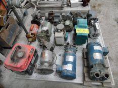 1 tarima con 4 bombas, 6 motores, 2 reductores con motor, 1 reductor sin motor, 1 válvula de gas,1