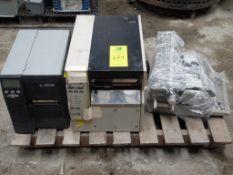 2 impresoras marca zebra para etiquetas y una maquina mecánica para escribir. (2 printers for labels