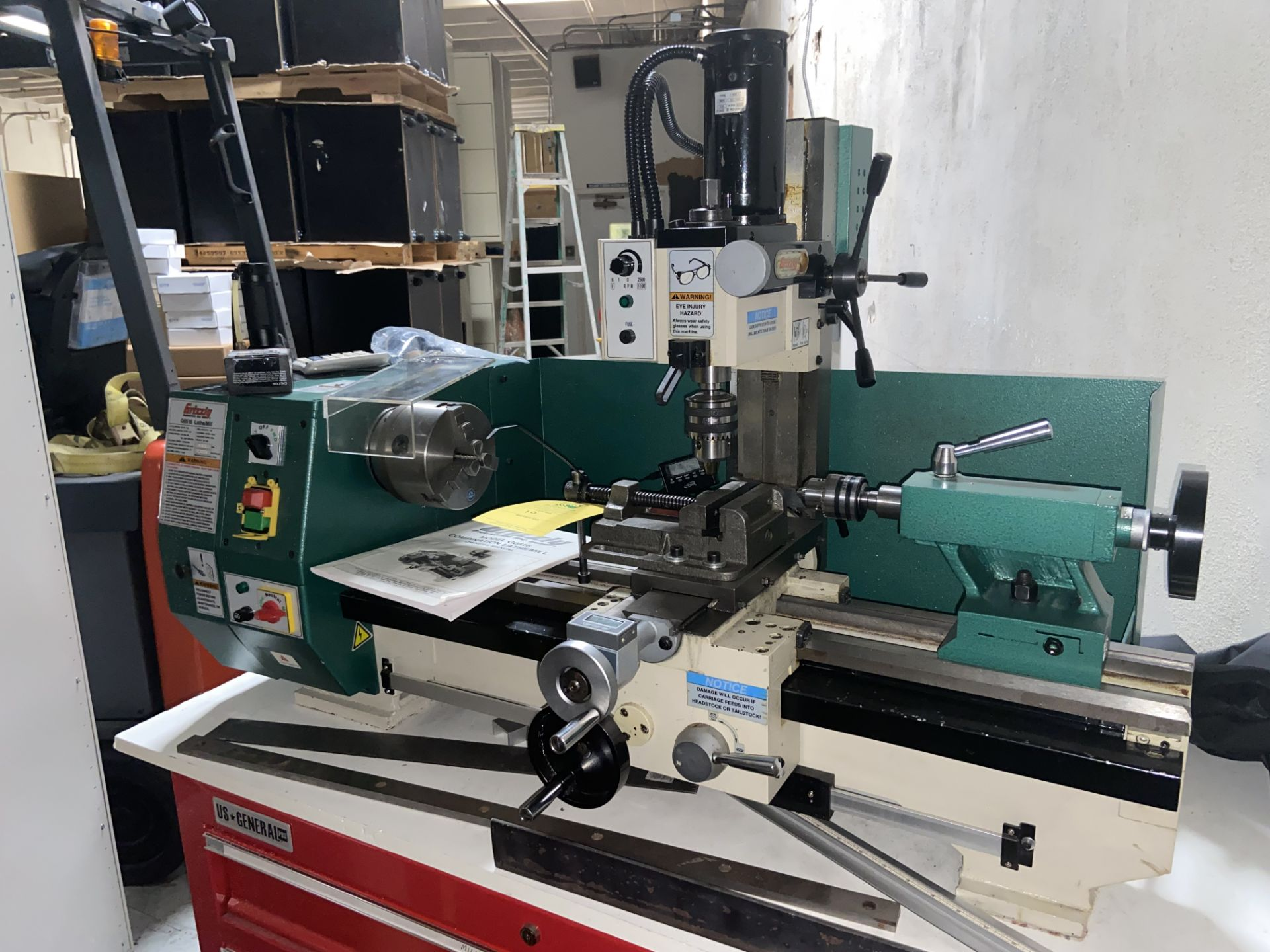 Grizzly Industrial Lathe/Mill, Model# G0516, Serial# MO120045, Lathe Motor 3/4 hp, 110V, 150-2400 - Image 4 of 12