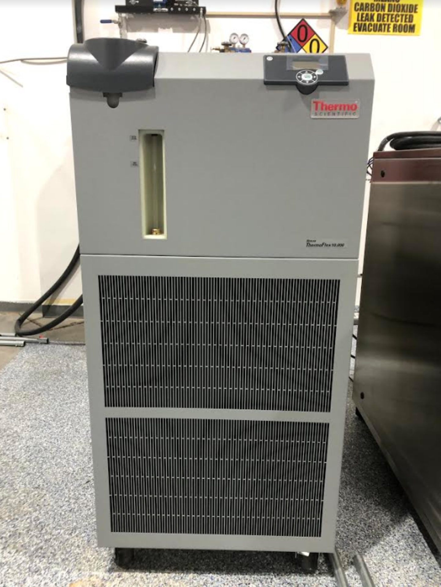 NEW Isolate Extraction Systems, Inc. (IES) Supercritical CO2 Extractor, Model# CDMH.5 - 2x-2f Hydrau - Image 3 of 5