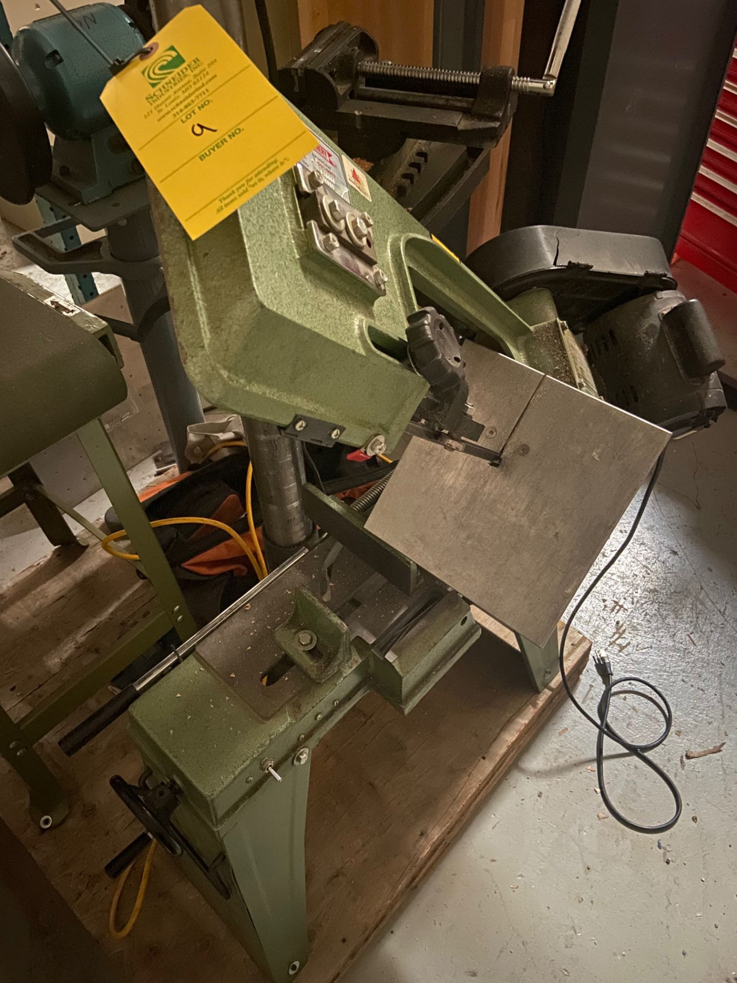 Central Machinery Heavy Duty Bandsaw, Model# T-591/9972, Serial# 660880, Loading/Removal Fee: $25 - Image 4 of 5