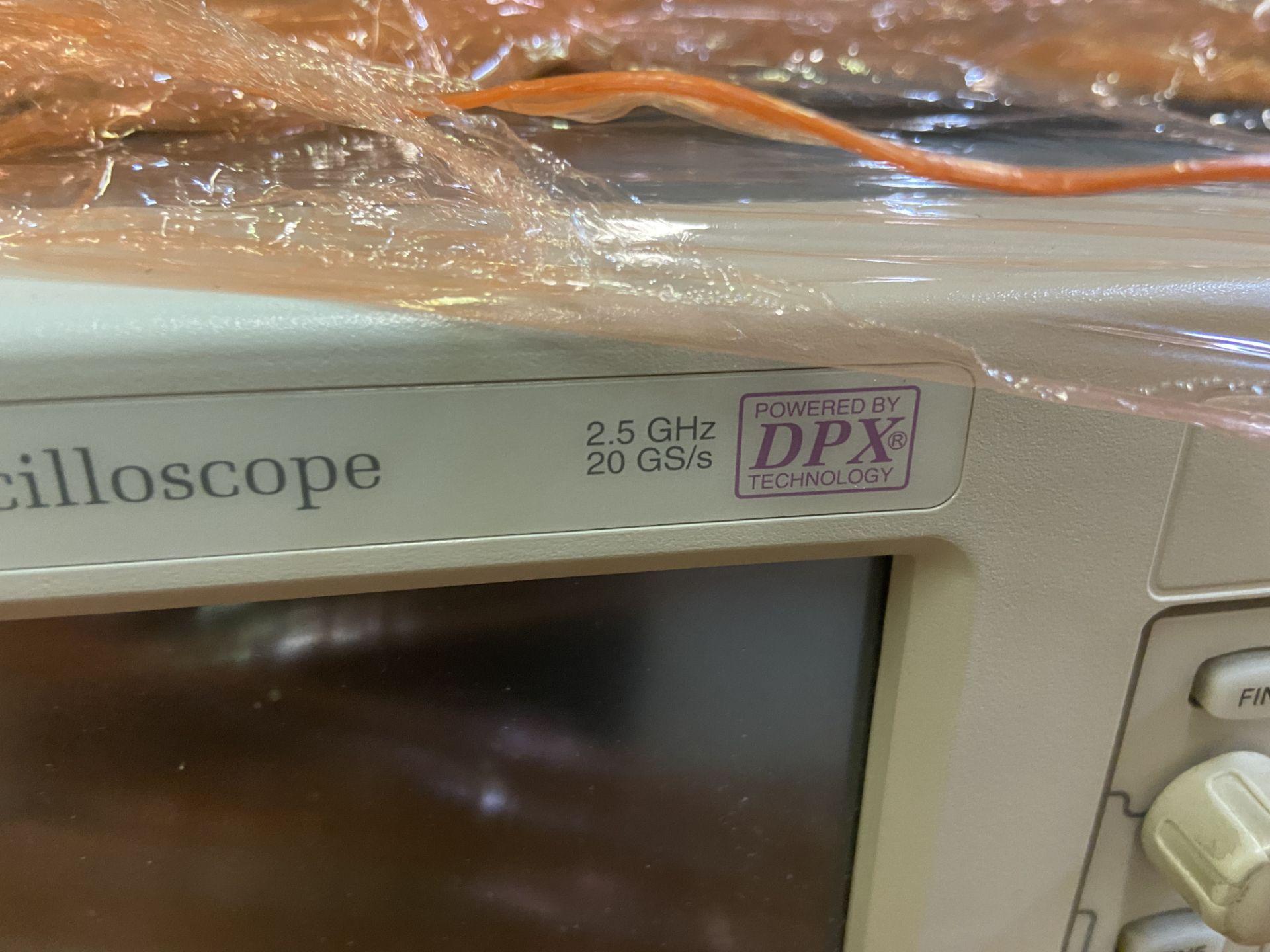 TDS7254B Tektronix Digital Oscilloscope, 2.5 GHz, 4 Channel, Rigging Fee: $50 - Image 2 of 4