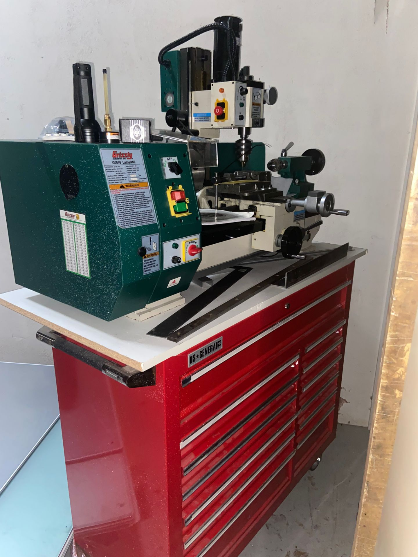 Grizzly Industrial Lathe/Mill, Model# G0516, Serial# MO120045, Lathe Motor 3/4 hp, 110V, 150-2400 - Image 3 of 12