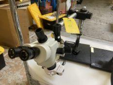 Microscope AmScope, Rigging Fee: $20