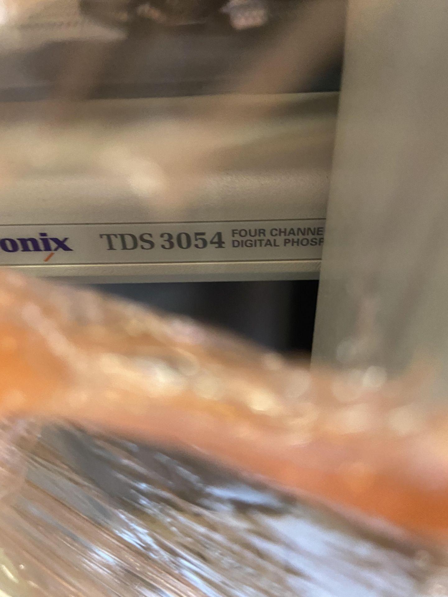 Tektronix TDS 3054 4 Channel Digital Oscilloscope, 500 MHz, Rigging Fee: $50 - Image 2 of 3
