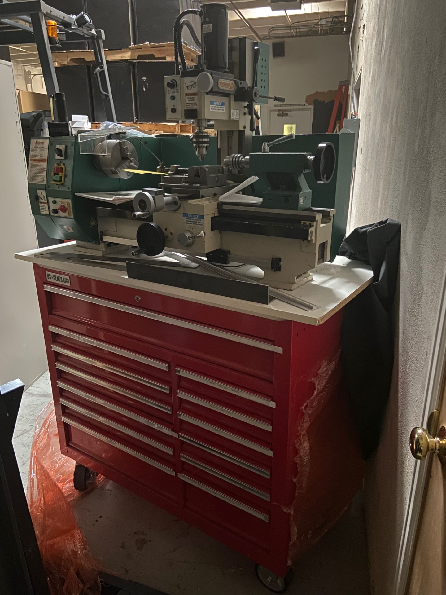 Grizzly Industrial Lathe/Mill, Model# G0516, Serial# MO120045, Lathe Motor 3/4 hp, 110V, 150-2400 - Image 6 of 12