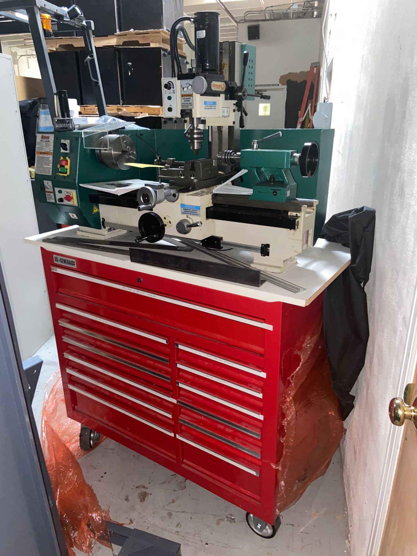 Grizzly Industrial Lathe/Mill, Model# G0516, Serial# MO120045, Lathe Motor 3/4 hp, 110V, 150-2400