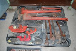 Ridgid pipe wrenches assorted sizes 2- 43 inch 33 inch 2- 24inch 22inch 21 inch 18 inch ***LOADING