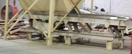 Dallas, TX Precision vibratory conveyor used to unload bulk bin (lot does not include bin above