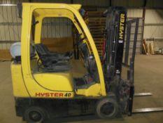 Hyster S40 LNG forklift; soft-cushion tires, 4 function controls (lift/lower, tilt, load shift, fork