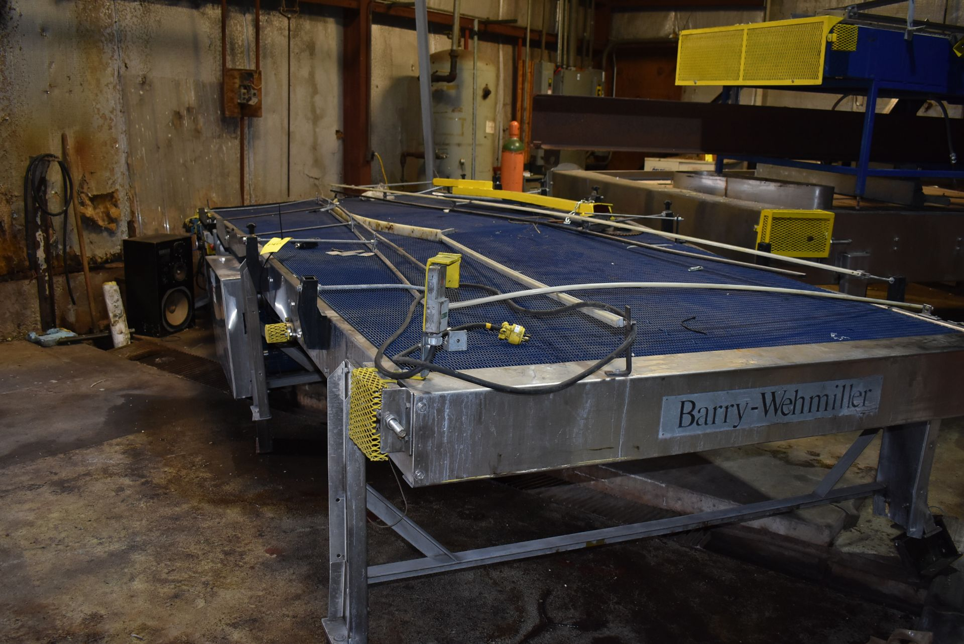 Motorized Belt Conveyor/Accumulation Table, 20' x 6'