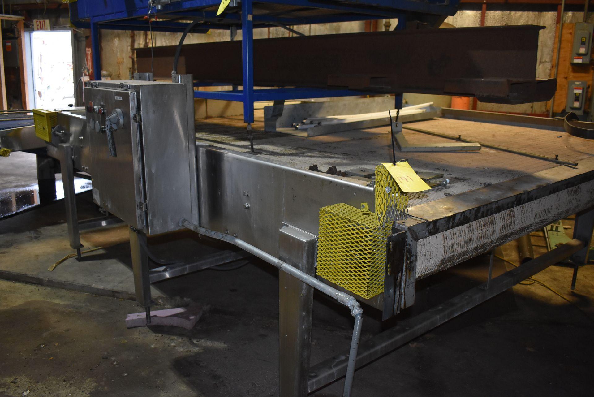 Motorized Belt Conveyor/Accumulation Table, 10' x 8'