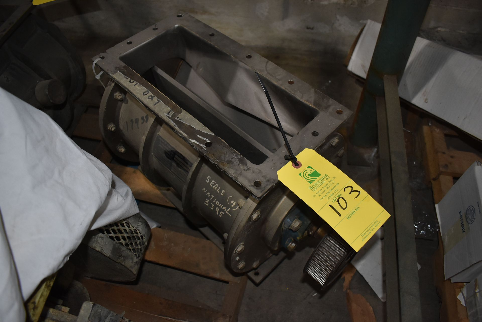 Maune/Donaldson Model 1G-3353-43-1 Air Lock